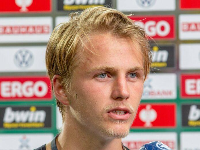 Fußballprofi Felix Götze liegt auf der Intensivstation.