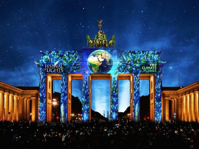 So soll das Brandenburger Tor ab 3. September für zehn Tage jeden Abend erstrahlen - als Erinnerung