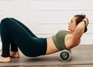 Verklebte Faszien können mit einfachen Übungen wieder gelöst werden.