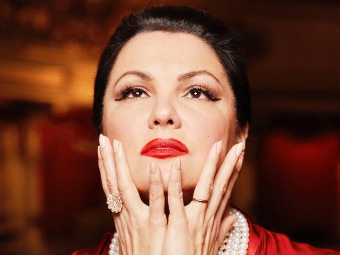 Anna Netrebko feiert ihren 50. Geburtstag mit einer großen Gala in Moskau.