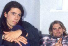 """Die Musiker Dave Grohl (l.) und Kurt Cobain bei einem Interview zum Europa-Release des Nirvana-Albums """"Nevermind"""" im Jahr 1991 in London."""