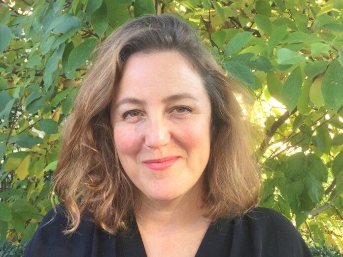 Serienmacherin Anna Winger vertieft ihr Engagement für Netflix.