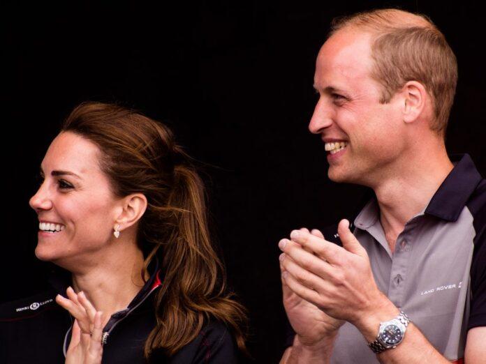 Prinz William und Herzogin Kate haben Emma Raducanu zum US-Open-Sieg gratuliert.
