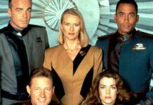 """Ein Teil der alten Crew von """"Babylon 5""""."""