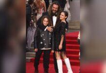 """Jason Momoa mit seinen Kindern Nakoa-Wolf und Lola bei der Premiere von """"Keine Zeit zu sterben"""" in London."""