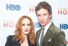 """Hauptdarsteller Eddie Redmayne mit """"Harry Potter""""-Autorin J.K. Rowling auf dem roten Teppich"""