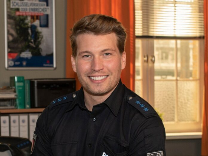 Raúl Richter als Polizeiobermeister Nick Brandt in
