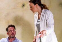 """""""Alles was zählt"""": Justus (Matthias Brüggenolte) und Dr. Ines Bandura (Jasmin Wagner) treffen in Angola aufeinander."""
