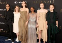 Angelina Jolie mit Maddox und Vivienne (l.) sowie Zahara