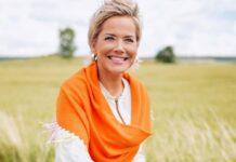 """Inka Bause moderiert auch die 17. Staffel von """"Bauer sucht Frau""""."""