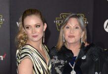 """Billie Lourd (l.) und Carrie Fisher bei der Premiere von """"Star Wars: Das Erwachen der Macht"""" im Jahr 2015."""
