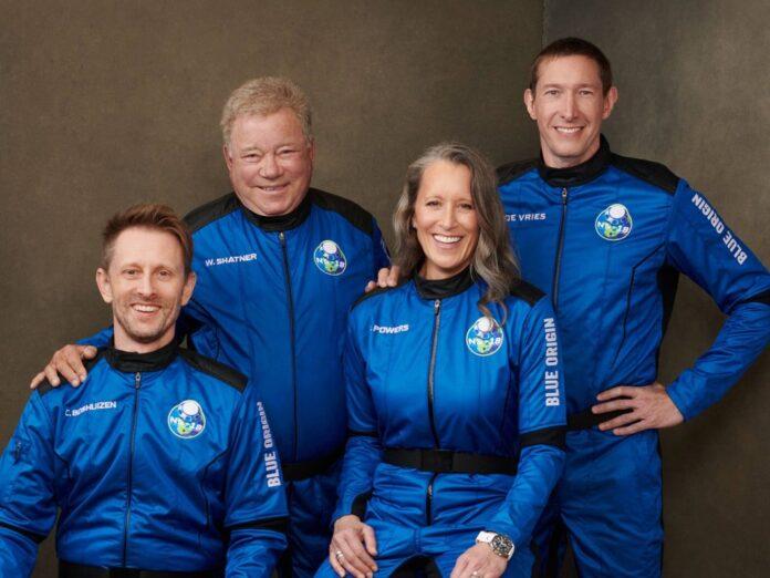 William Shatner (2.v.l.) und seine Crew: Audrey Powers