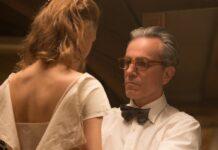 Die Beziehung zwischen Alma (Vicky Krieps) und Reynolds (Daniel Day-Lewis) ist kompliziert