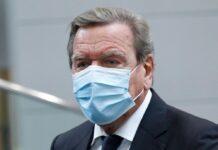 Altkanzler Gerhard Schröder hat inzwischen seine Booster-Impfung erhalten.