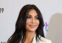 """Kim Kardashian nahm sich bei """"Saturday Night Life"""" selbst auf die Schippe."""