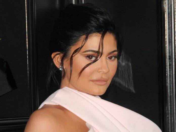 Kylie Jenner hat mit einer Werbekampagne für schockierte Fans gesorgt.