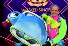 """Pierre Littbarski musste sich in Folge zwei von """"The Masked Singer"""" als der Hammerhai zu erkennen geben."""