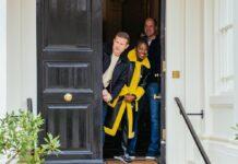 Prinz William und die Moderatoren Dermot O'Leary und Clara Amfo.