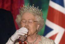 Die Vorliebe von Queen Elizabeth II. für einen kleinen Drink ist seit Jahrzehnten bekannt.