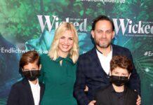 Susan Sideropoulos mit Ehemann Jakob Shtizberg und den Söhnen Joel und Liam im September 2021.