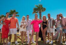 """Moderatorin Lola Weippert (Mitte) und die Kandidatinnen und Kandidaten von """"Temptation Island VIP"""": Paulina und Henrik"""