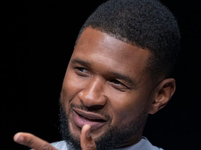 Usher hat das erste Foto seines neugeborenen Sohnes veröffentlicht.