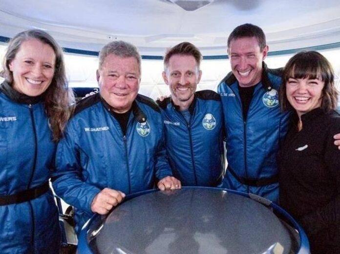 William Shatner (2.v.l.) und seine Crew.